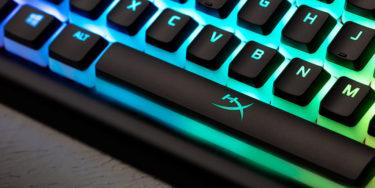 【HyperX Alloy Elite 2】ライティングが強調される「プディングキートップ」が魅力的!HyperX Redリニアスイッチの反応速度も素晴らしい
