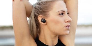 Bose「Sport Earbuds」スポーツに最適な完全ワイヤレスイヤホンを発表。外れにくい快適なフィット感