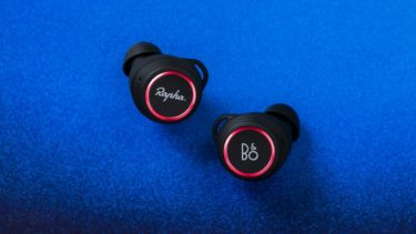 B&O「Beoplay E8 Sport Rapha edition」圧倒的フィット感でスポーツに最適な完全ワイヤレスイヤホン