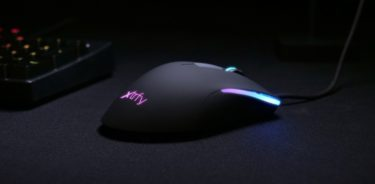 Xtrfy「M1 RGB」軽量86g/グリップ感のある左右非対称ゲーミングマウスを発表